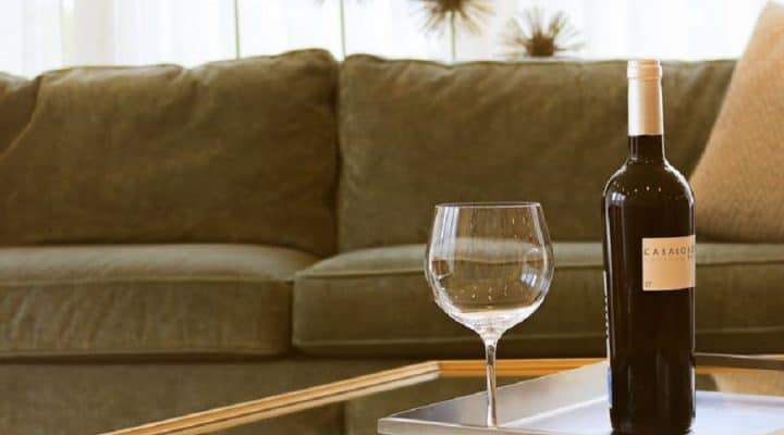 Wine Pairings for Your Favorite Netflix Binge Session