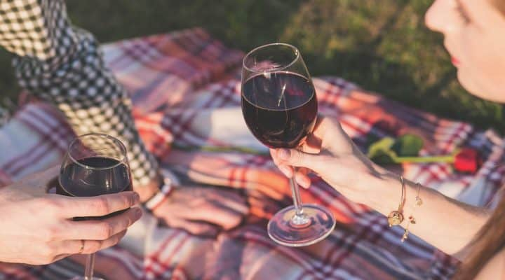 6 Health And Beauty Benefits Of Red Wine