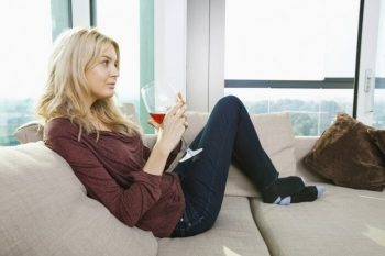 Wine Before Bed Can Actually Make You Skinny