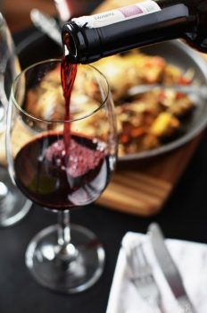 Top 10 Reasons to Drink Red Wine